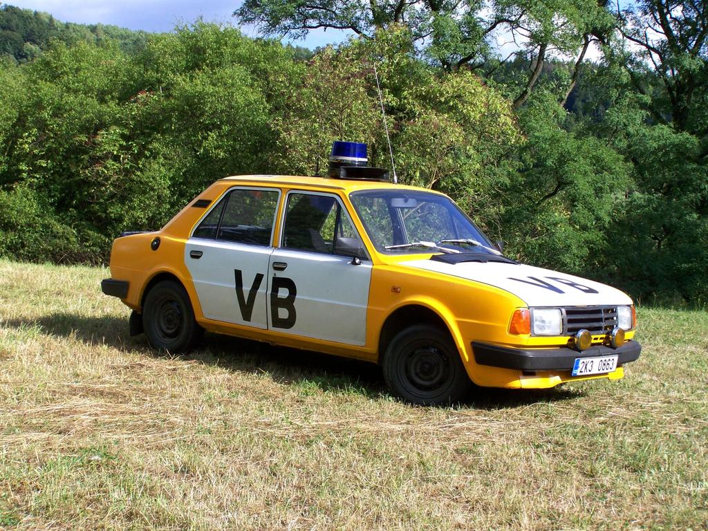 Škoda 125 police car VB